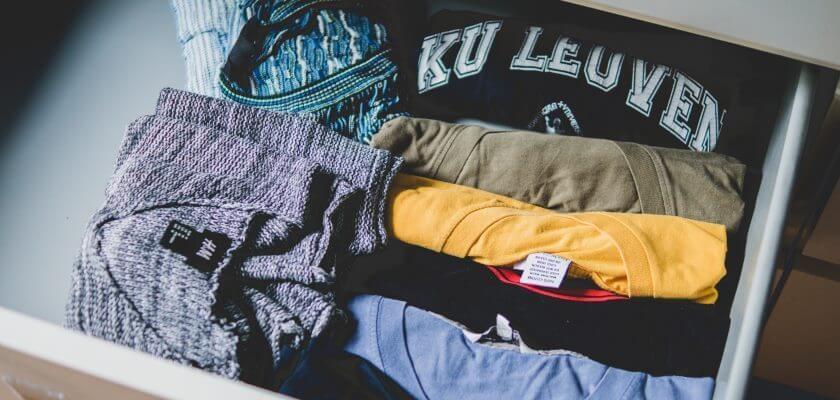 Szafka z ubraniami