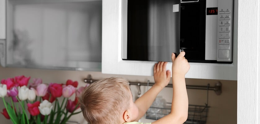 Dziecko i mikrofala